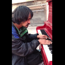 morador-rua-pianista